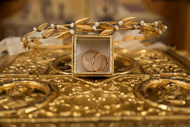 zlaté prstýnky